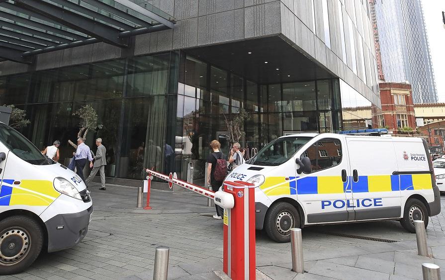 Atac armat în Manchester. Zece oameni au fost răniţi, după un carnaval