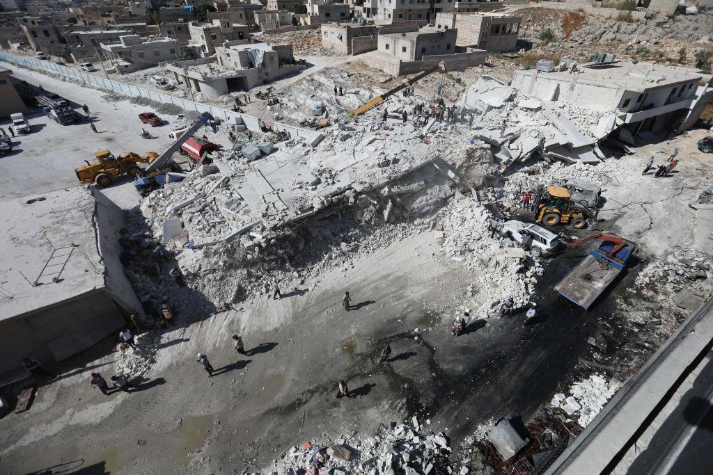 Explozie uriaşă într-un oraş din Siria controlat de rebeli. Cel puţin 12 morţi