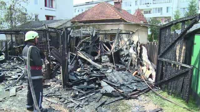 Un bărbat cu Parkinson era să ardă de viu încercând să stingă un incendiu.
