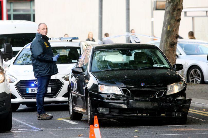 Români implicați într-un incident violent în Dublin. O persoană a fost înjunghiată în cap