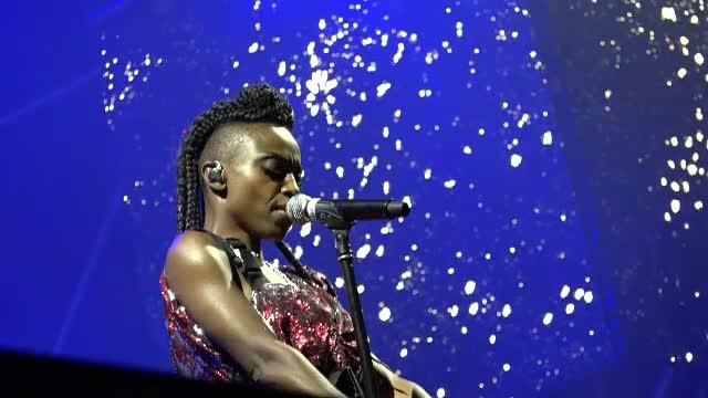 Mii de oameni au cântat cu Morcheeba la Festivalul Awake din Mureș