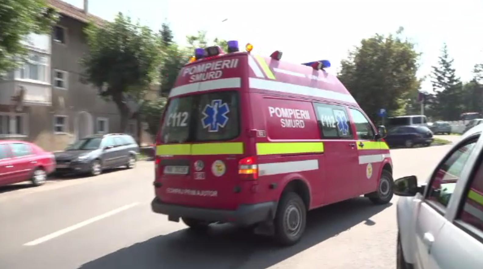 O tânără din Vâlcea a fost reţinută după ce şi-ar fi înjunghiat iubitul cu un briceag