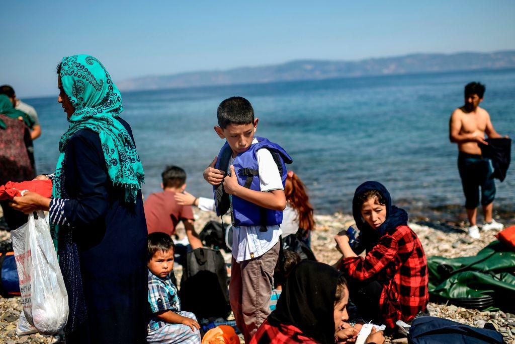 6.000 de refugiați, cazați în noua tabără din Lesbos. 157 sunt infectați cu Covid-19