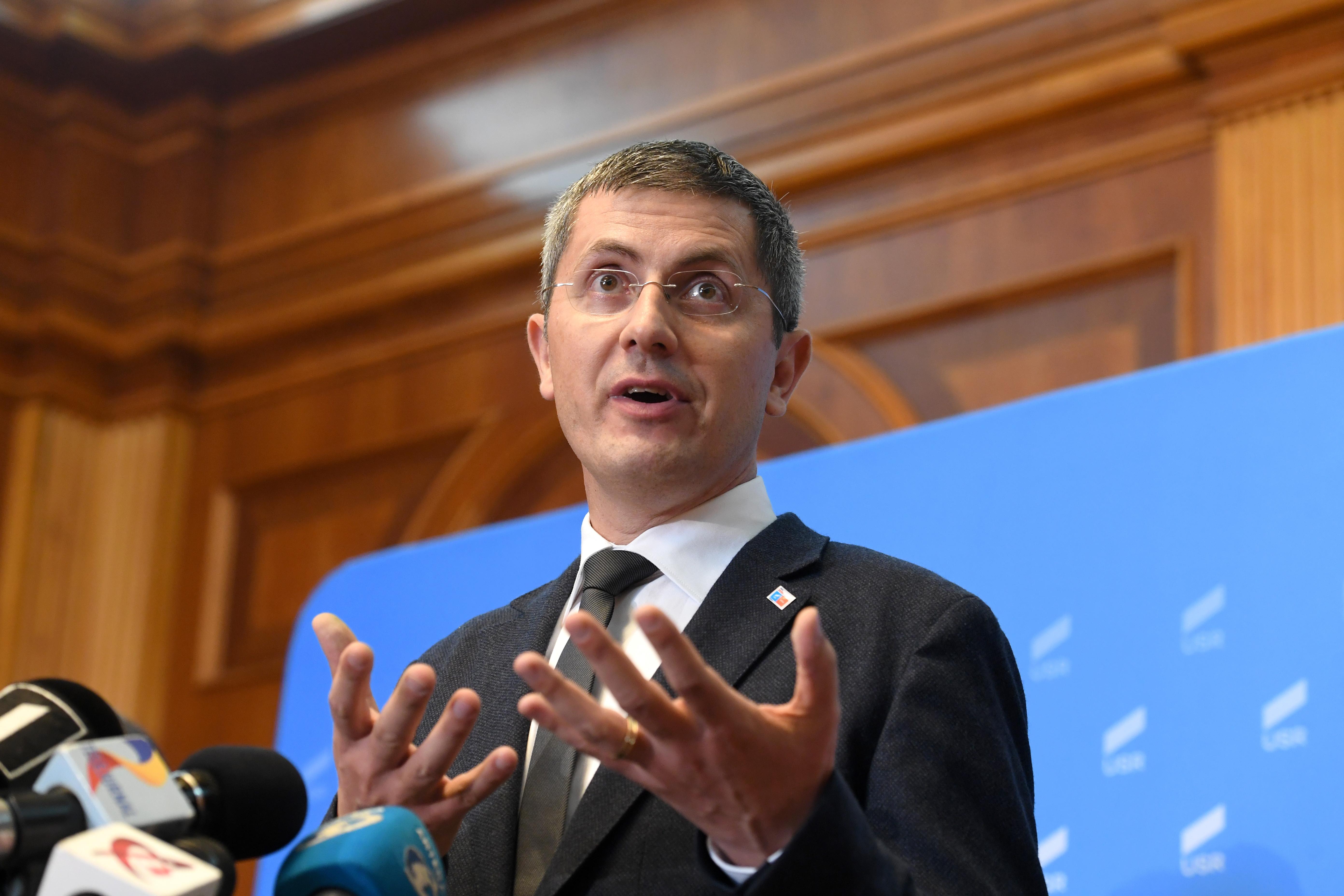 Criză politică în România. Barna renunță la șefia Camerei Deputaților și îl propune pe Drulă