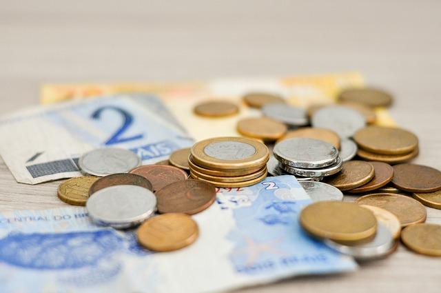 Primii bani de la UE pentru redresarea economiei vor intra în octombrie. Ce planuri au demnitarii cu ei