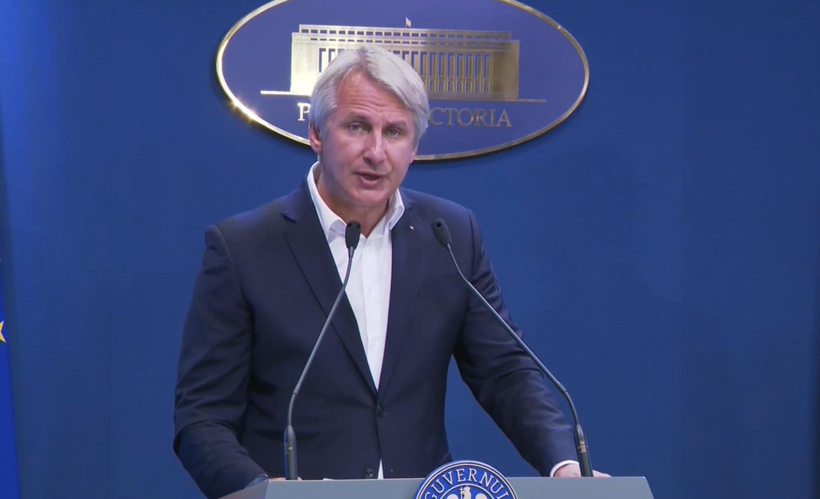 Teodorovici: Românii de peste hotare vor putea trimite acasă bani fără comision