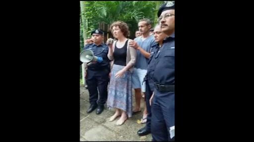 Familia adolescentei dispărute în Malaezia oferă o recompensă. Poliția a apelat la un șaman