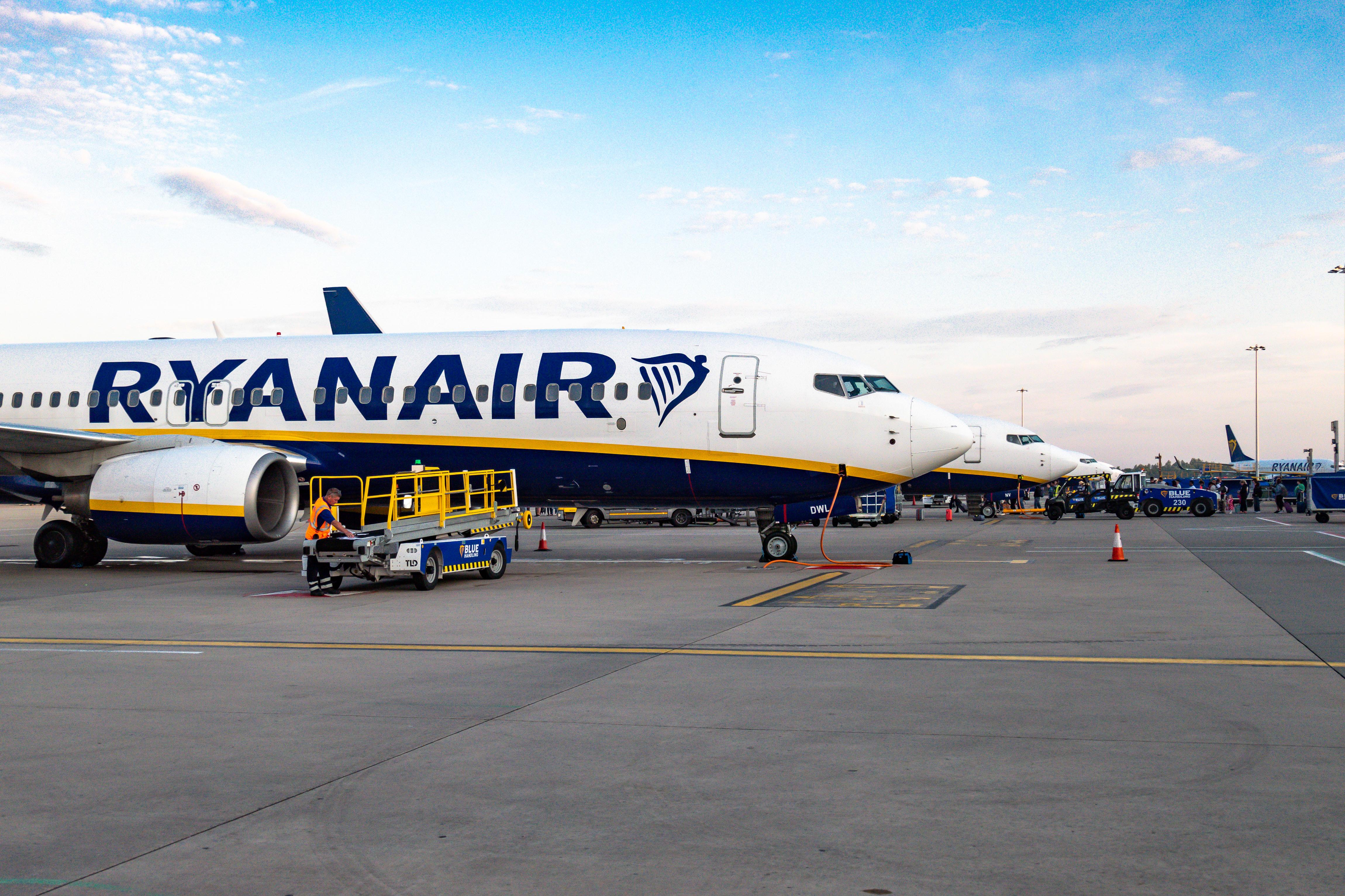Avertisment MAE pentru românii care călătoresc în Spania: Greve la două companii aeriene