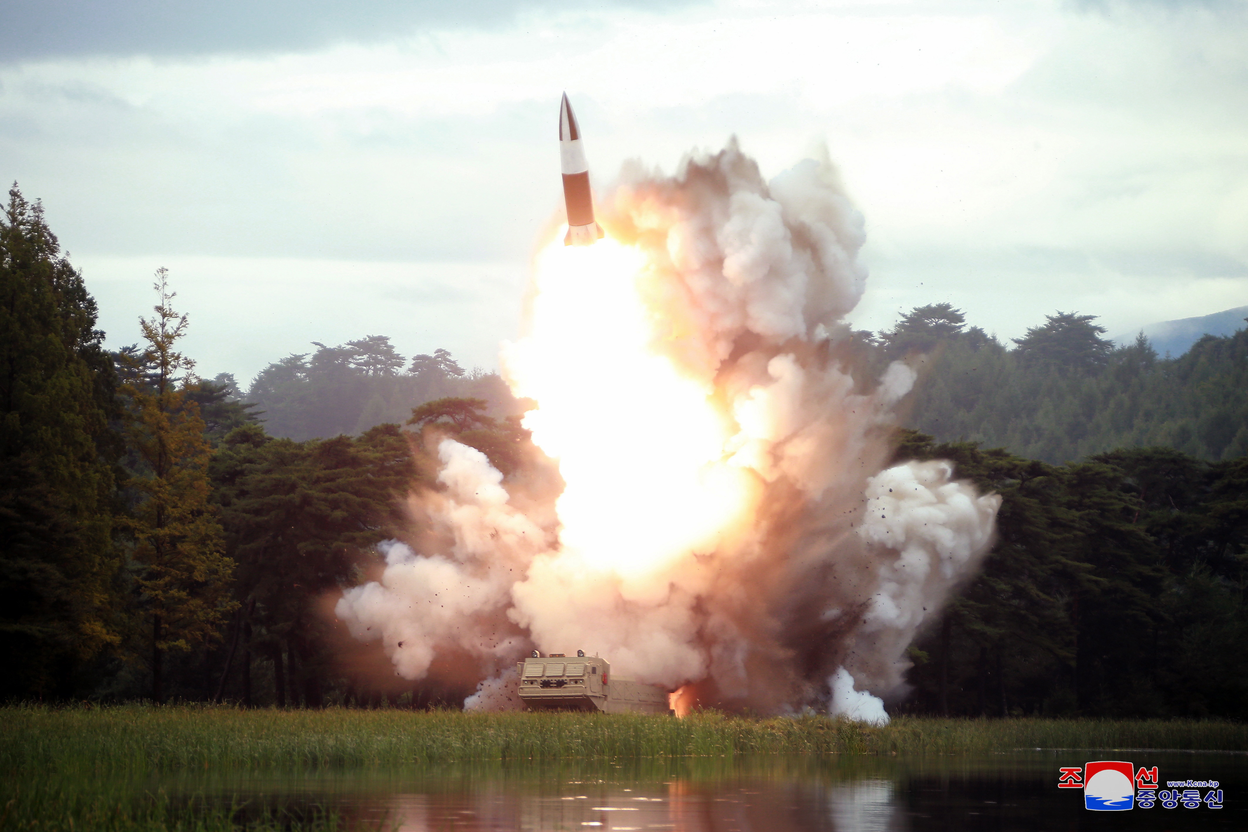 Coreea de Nord a lansat 2