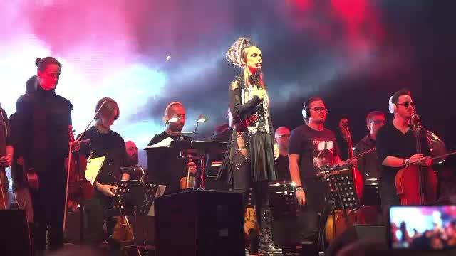Tribut pentru solistul de la Prodigy la festivalul Awake de la castelul Teleki