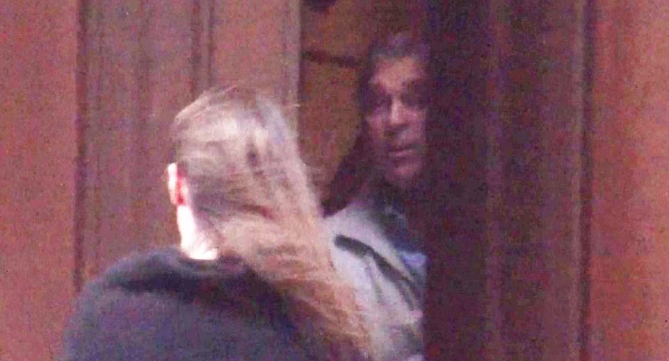Cazul Epstein. Reacția Prinţului Andrew, filmat când pleacă din casa afaceristului