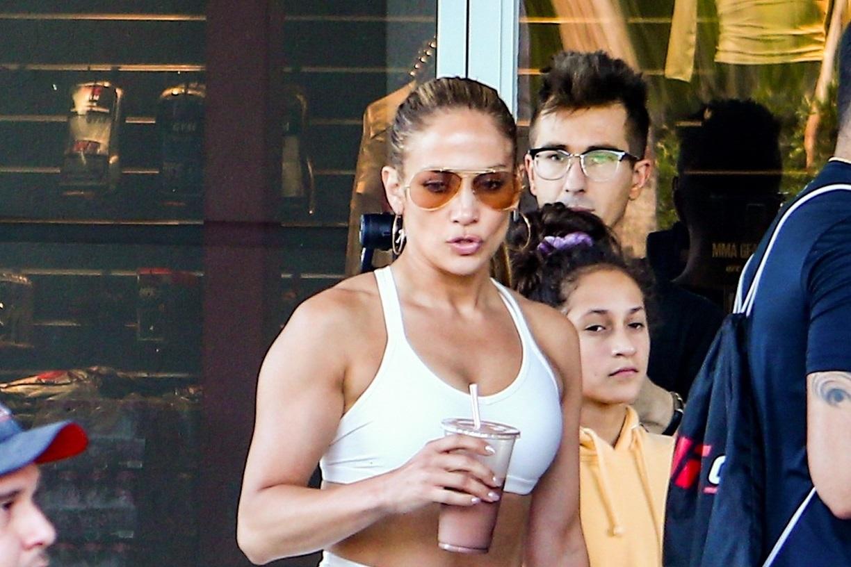 Jennifer Lopez a întors toate privirile, la sala de sport. Cum arată la 50 de ani. FOTO