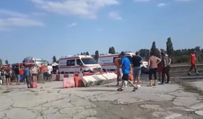 Jandarmii și poliția păzesc spitalul și morga din Galați. Scandal după un accident grav