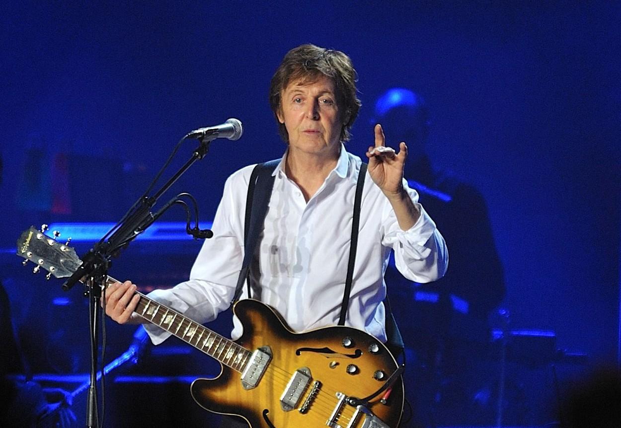 Paul McCartney va lansa o carte de memorii. Viața sa, povestită în 154 de cântece. VIDEO