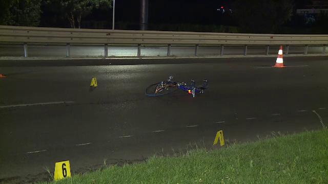 Un biciclist de 35 de ani a murit după ce a fost lovit de o mașină în București