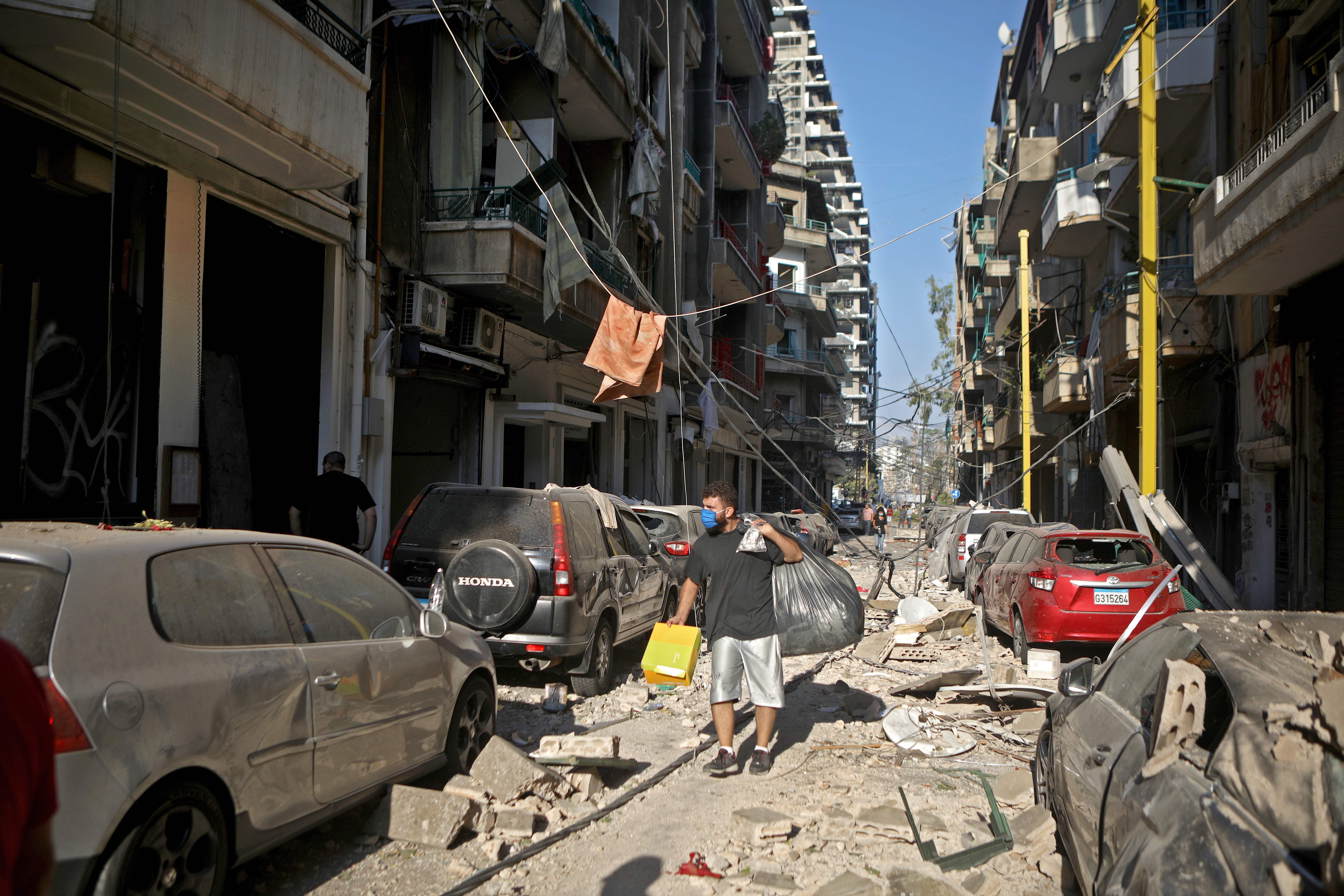 Persoane arestate în Beirut, după ce au furat din cartierele devastate de explozie