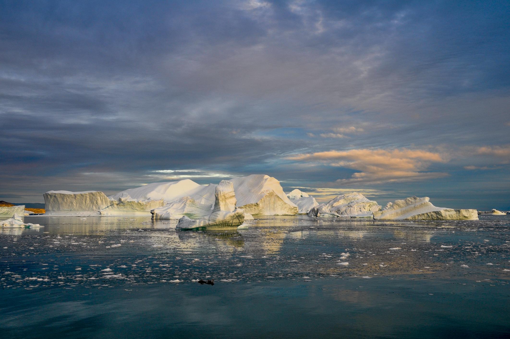 Stratul de gheață din Groenlanda se topește într-un ritm accelerat. Orașe întregi ar putea fi înghițite de ocean