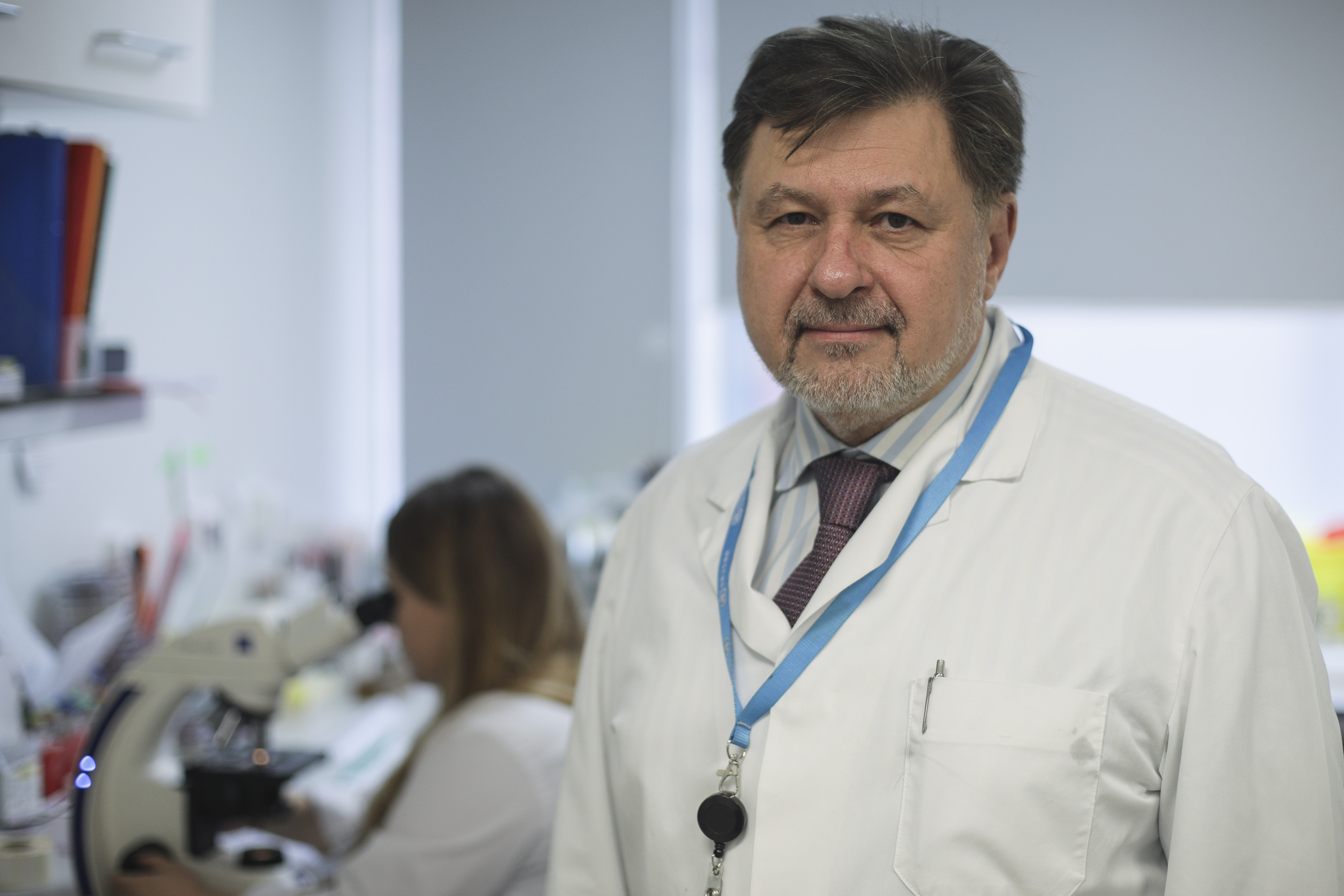 Rafila propune ca România să doneze o cantitate de vaccin anti-COVID Republicii Moldova