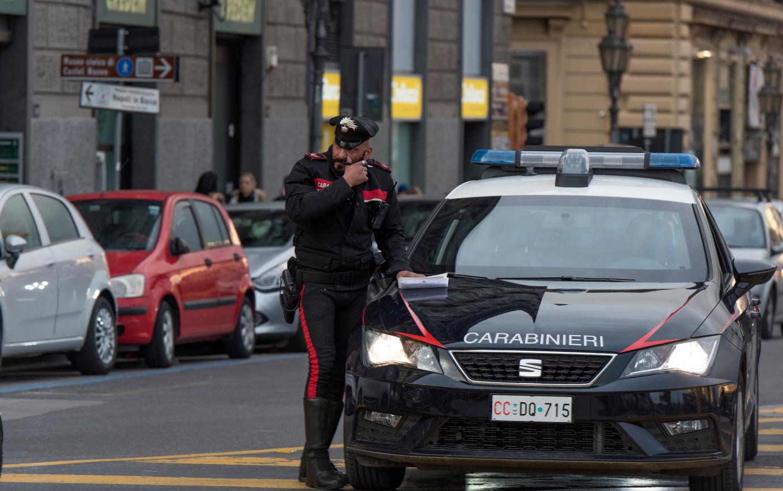 Un interlop român s-a căsătorit ca să nu fie prins de poliția italiană. Metoda a funcţionat aproape 2 ani