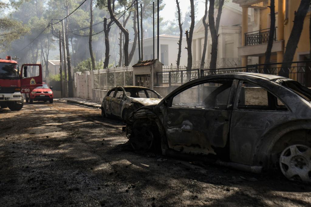 Incendii și vreme extremă în Grecia. Cel puţin 16 persoane spitalizate din cauza