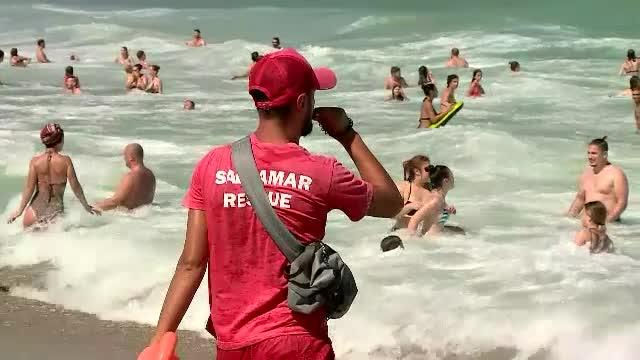 Salvamari băgați în spital după o bătaie cu turiștii, pe plaja din Eforie. Incredibil de la ce a pornit scandalul