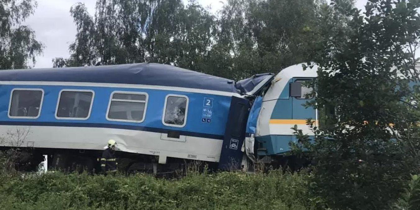 Două trenuri s-au ciocnit în Cehia. Sunt trei morți și peste 40 de răniți
