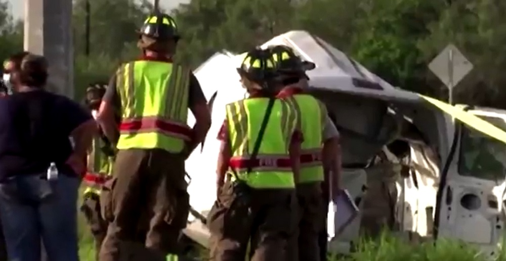Tragedie în SUA. Zece migranţi au murit, iar 20 au fost răniţi, după ce camioneta în care se aflau s-a răsturnat