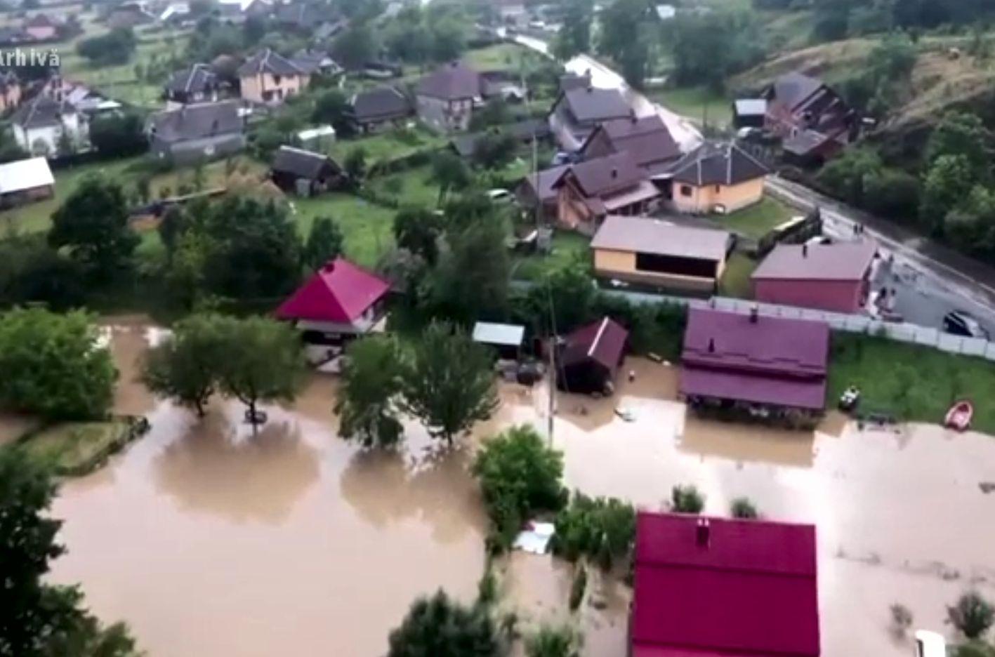 Câți bani se dau de la stat ajutoare pentru inundații. E nevoie doar de buletin