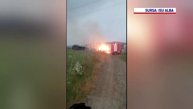 Un incendiu a izbucnit în curtea unei mănăstiri din județul Alba. Un altul a avut loc într-o gospodărie