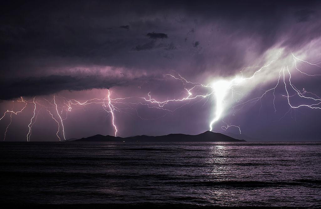 Avertisment MAE pentru românii care merg în Grecia: Se anunță fenomene meteo extreme