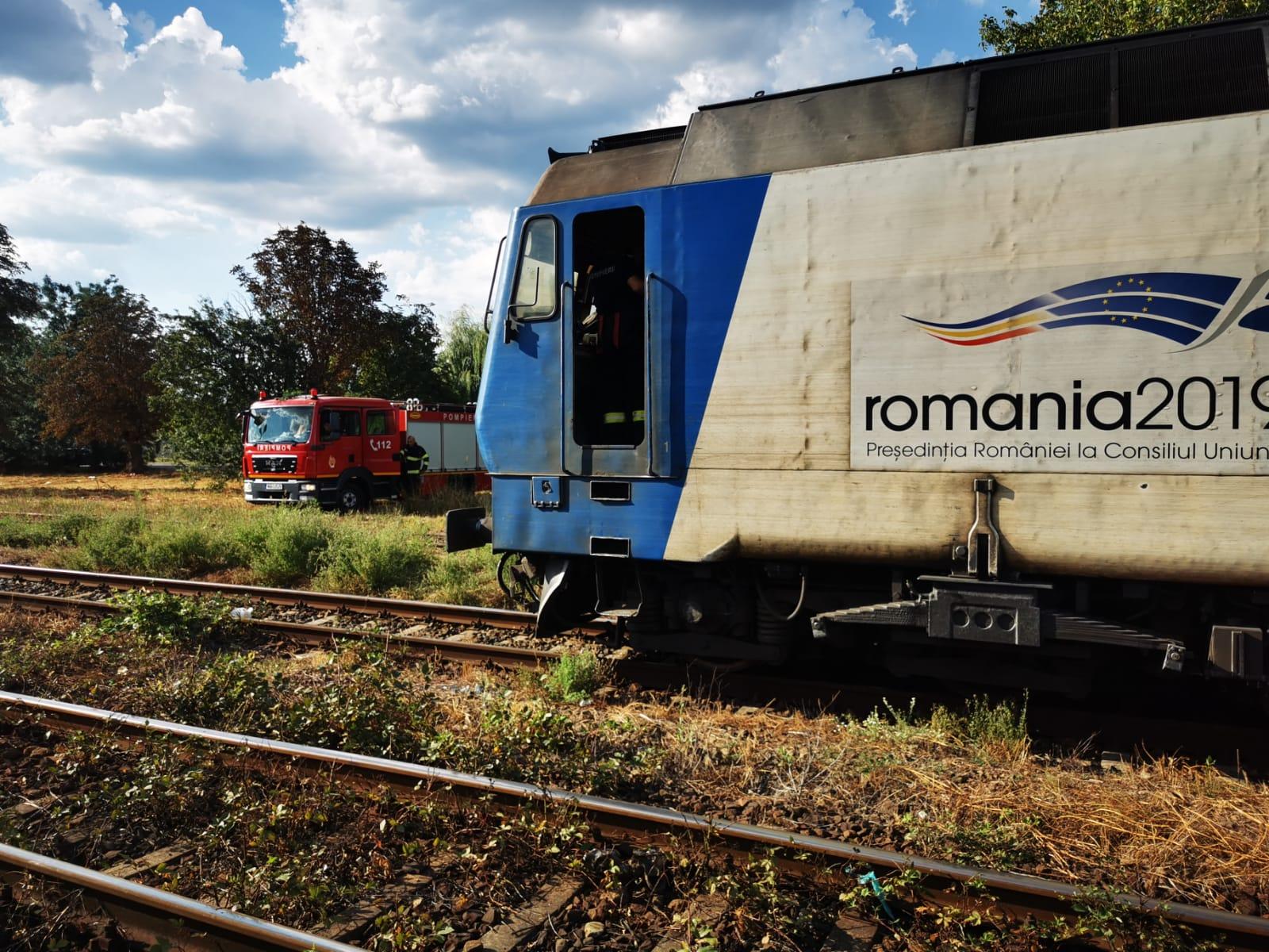 Incendiu la locomotiva unui tren în care se aflau 80 de pasageri, în Dâmbovița