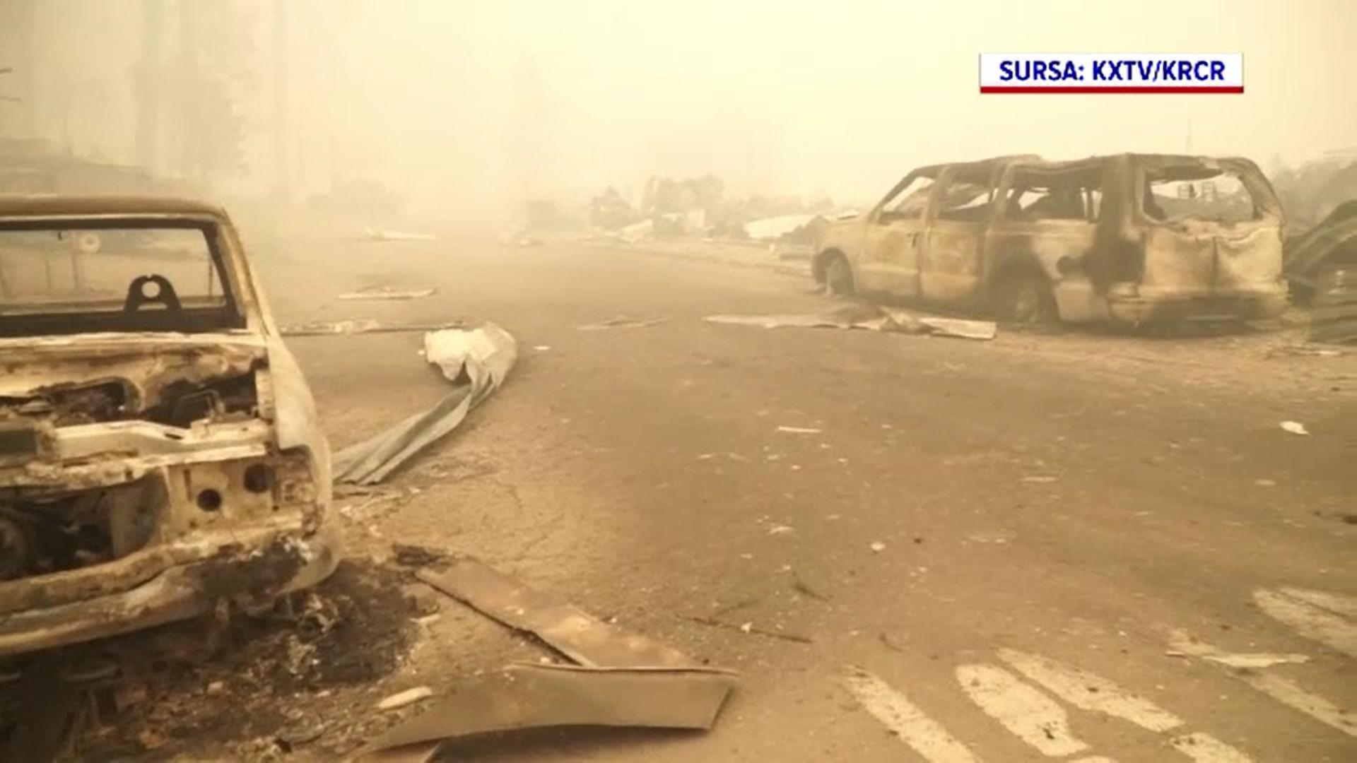 Imagini apocaliptice în California. Incendiile au pârjolit până acum peste 1.700 de kilometri pătrați de vegetaţie