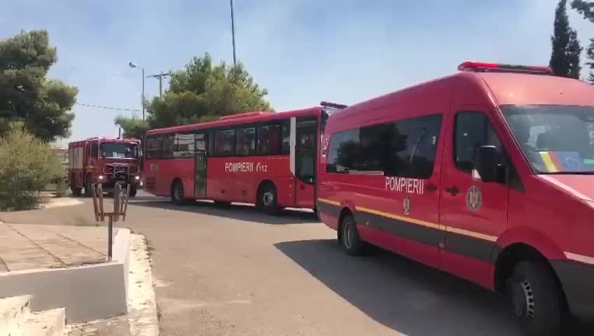 România ajută Grecia în lupta cu flăcările. Peste 100 de pompieri au ajuns în Atena