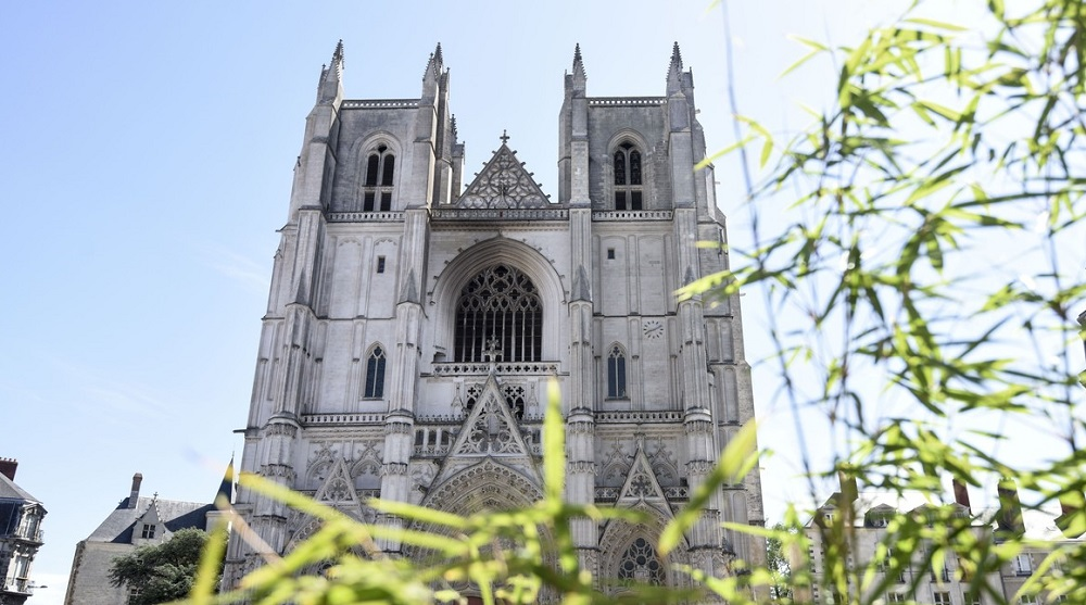 Un preot din Franța a fost ucis de bărbatul care anul trecut a incendiat catedrala din Nantes