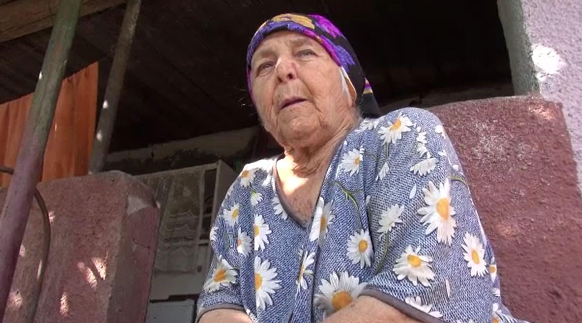 """Bătrână din Bacău, tâlhărită de un bărbat care i-a furat 30 de mii de lei din casă. """"Să îi dau banii să se ducă să bea"""""""