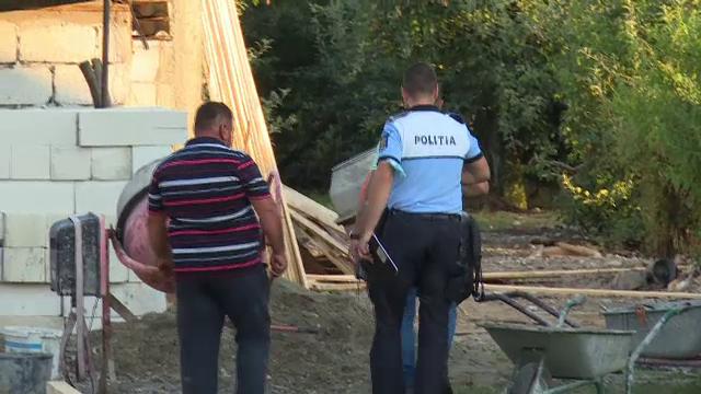 Un bărbat a căzut de pe o casă aflată în construcție, în Dâmbovița. Ce greșeală a făcut