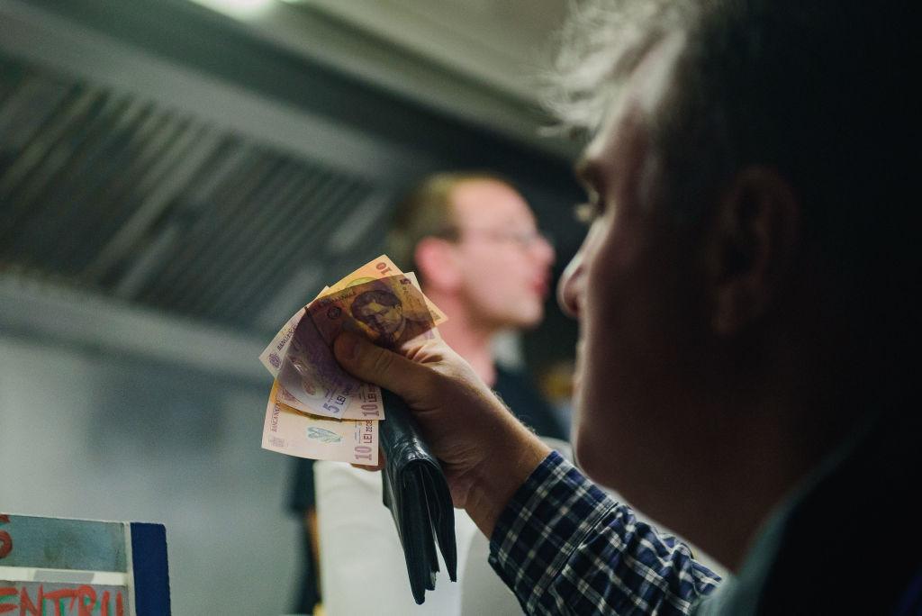Premierul Cîțu explică de ce au crescut prețurile: Este temporar. BNR ar fi luat o decizie