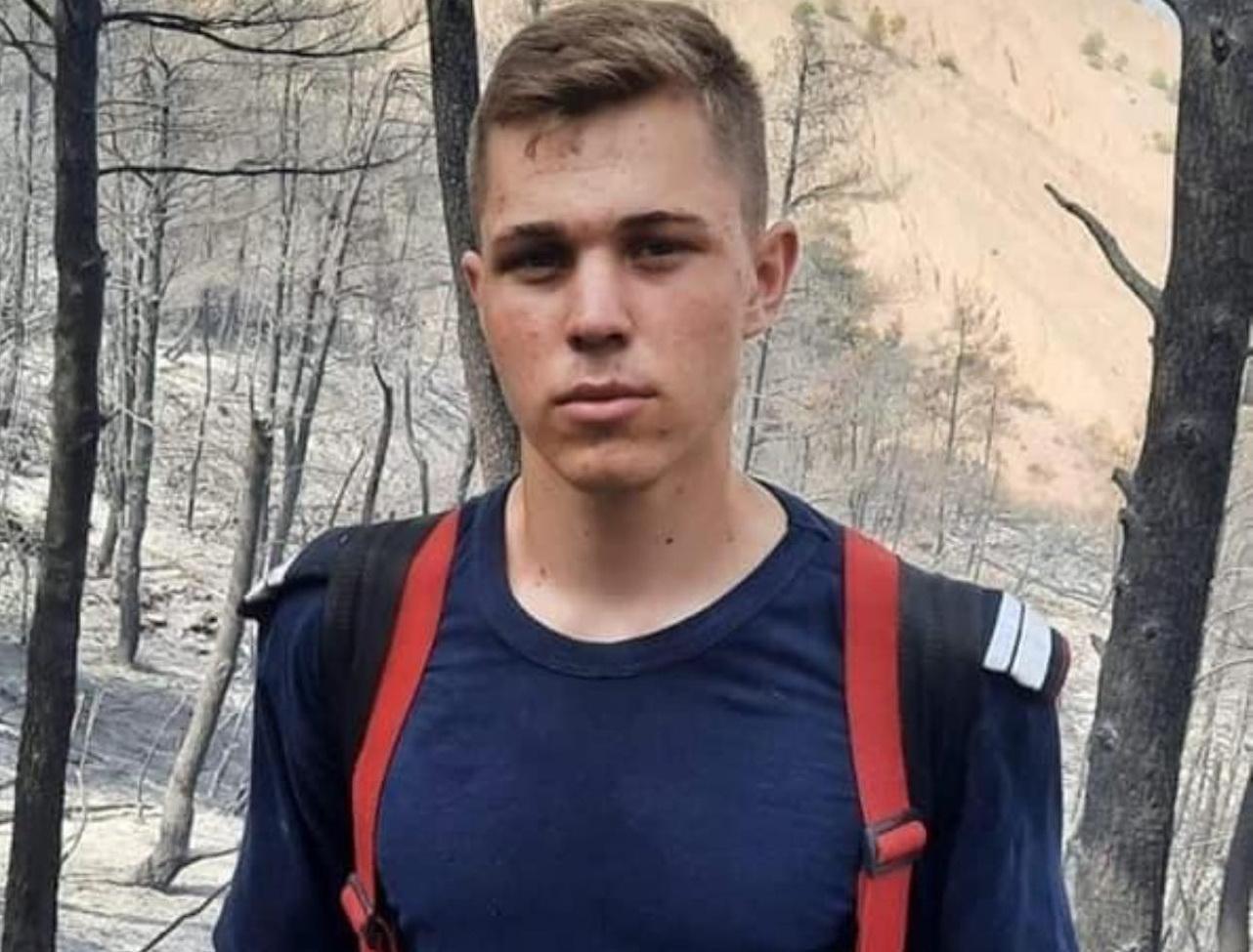 """Cel mai tânăr pompier român care a plecat în misiune în Grecia are 20 de ani: """"Eram în concediu când am primit anunțul"""""""