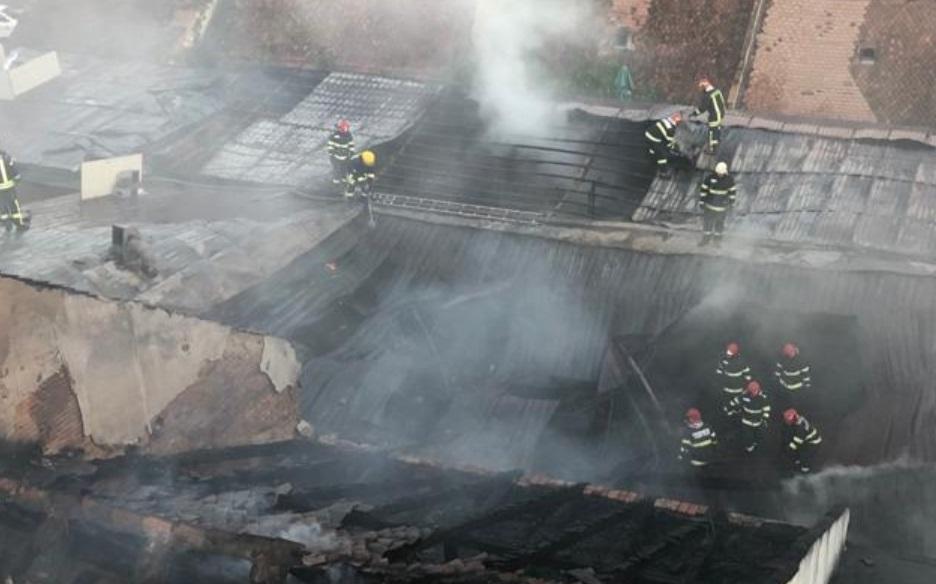 Incendiu puternic în Brașov. Un restaurant s-a făcut scrum