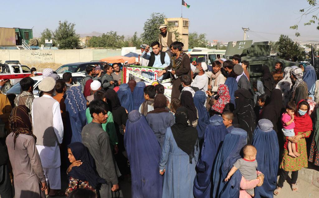 Talibanii au preluat controlul asupra oraşului Ghazni, aflat la 150 km de Kabul. Este a zecea capitală provincială cucerită