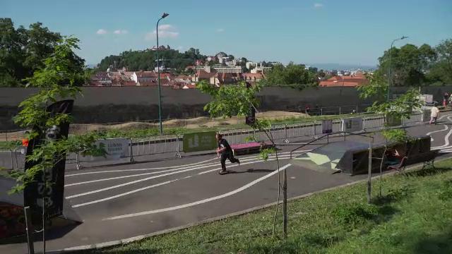 Pasionații de sporturi urbane și-au arătat talentul la Brașov. Imagini de senzație surprinse la poalele Tâmpei