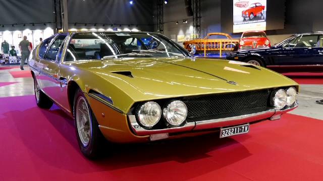 Expoziție auto de senzație la Moscova. O mașină din anii '60 e piesa de rezistență