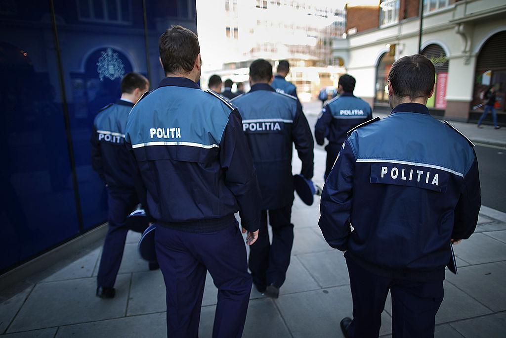 Polițist din București, retras din serviciu după ce a fost depistat pozitiv la consumul de droguri