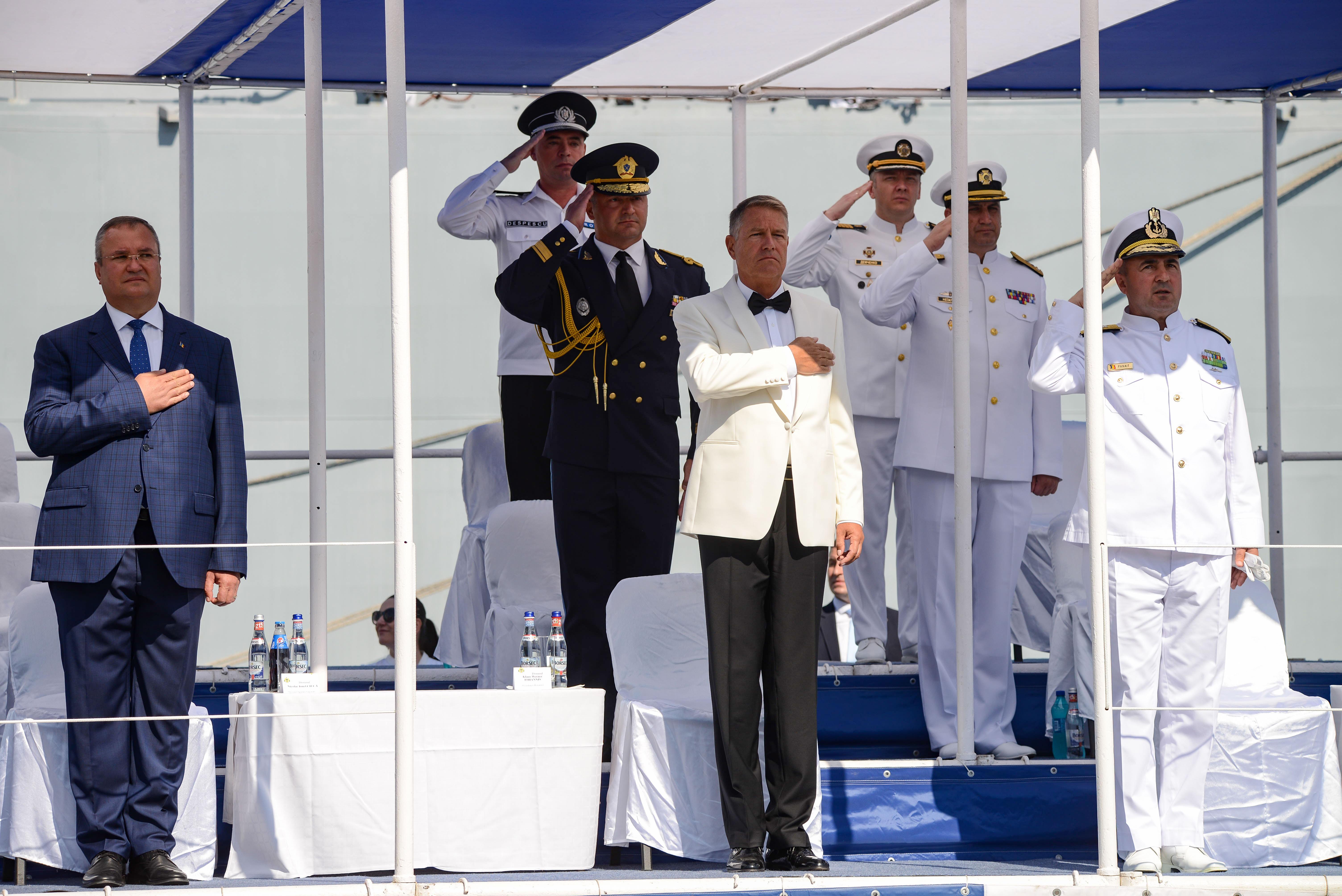 """Iohannis, de Ziua Marinei: """"Fără o armată puternică, România nu îşi poate menţine statutul de membru NATO"""""""