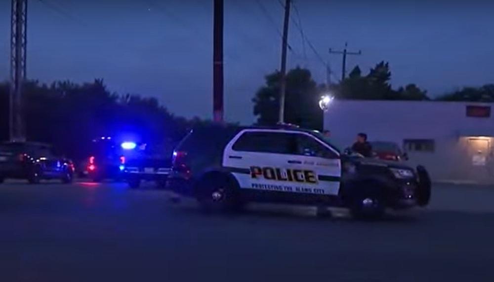 Trei persoane au murit, iar două sunt în stare gravă, după o ceartă izbucnită într-un bar din Texas