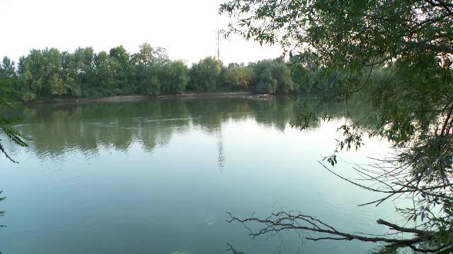 Un adolescent de 16 ani s-a înecat în Mureș, după ce a intrat în apă să se răcorească