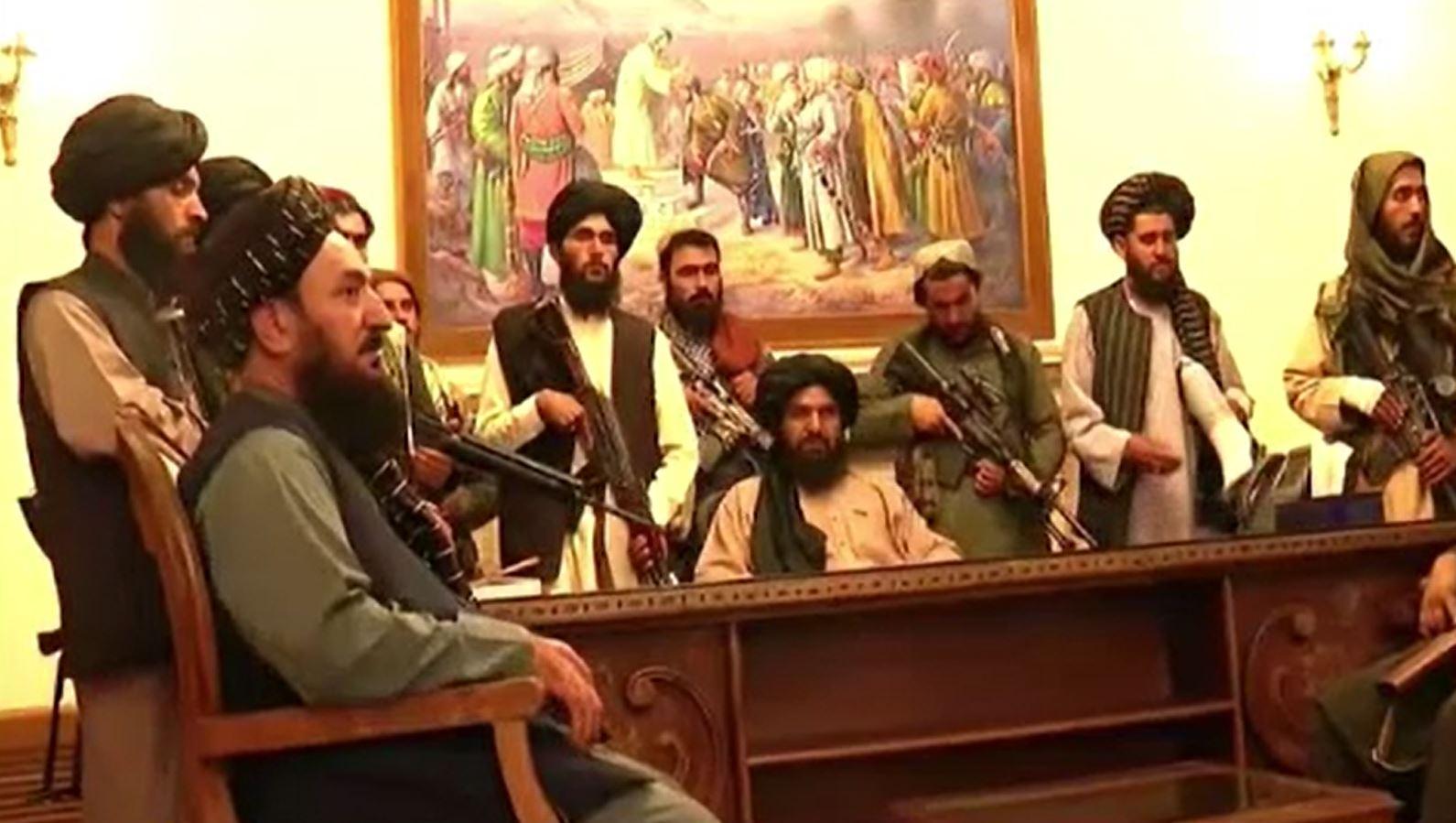Militanții talibani, la putere în Afganistan. Guvernul s-a prăbușit, iar președintele a fugit din țară