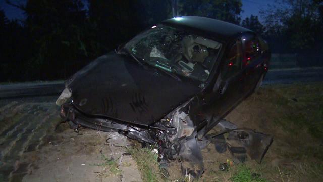 Accident grav în Argeș. Trei persoane aflate pe un spațiu verde au fost lovite în plin de o mașină