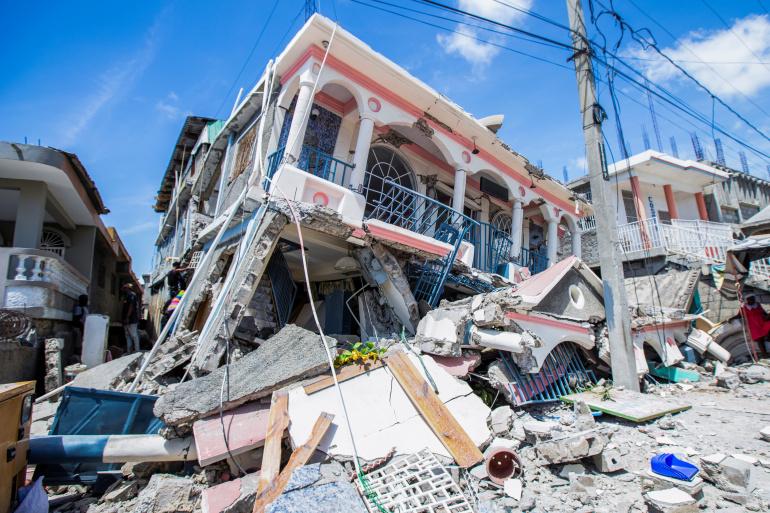 Bilanțul tragic al cutremurului din Haiti: Aproximativ 1.300 de morţi şi peste 5.700 de răniţi