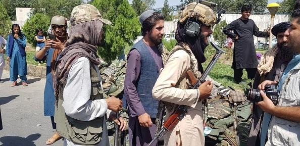 """Filmul victoriei talibanilor din Afganistan. Ce planuri au după cucerirea țării: """"Avem sprijinul populaţiei"""""""
